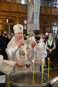 В праздник Крещения Господня Митрополит Александр совершил Литургию и великое освящение воды в Брянском Кафедральном Соборе