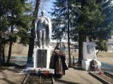 В день поминовения усопших благочинный Карачевского церковного округа совершил заупокойную литию у памятника павшим воинам-освободителям в деревне Мылинка